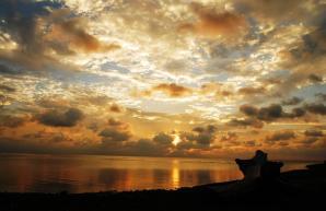 Sunset Beach, Naifaru