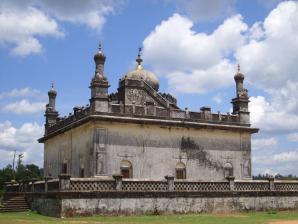 Raja's Tombs, Madikeri