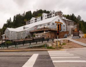 Deadwood Mountain Grand Hotel, Deadwood