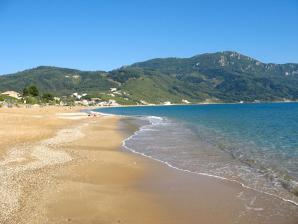 Agios Georgios Beach, Agios Georgios